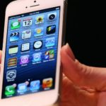 Apple warns iPhone 5 owners about software updates