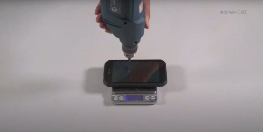 Tests with a hammer, knife, drill and more. How durable is the Ulefone Armor 7E in reality?